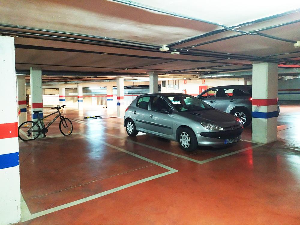 Plaza de garaje amplia en Pinto